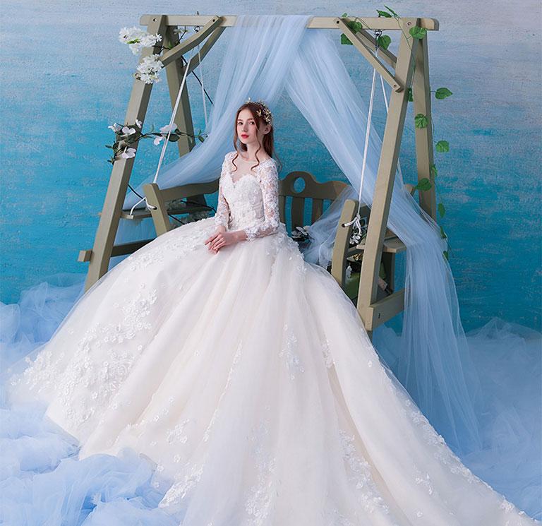 Váy cưới dáng xòe lộng lẫy như một nàng công chúa