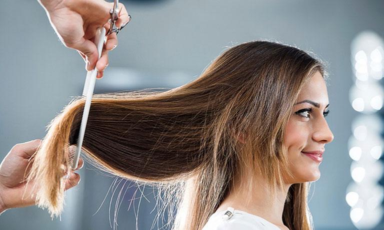 Kiêng cắt tóc mùng 1