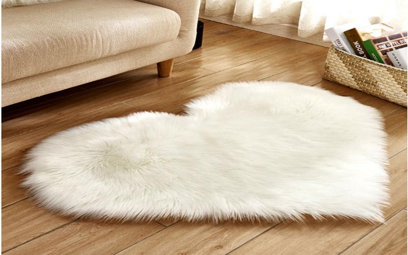 Những mẫu thảm được làm bằng lông mượt mà, êm ái