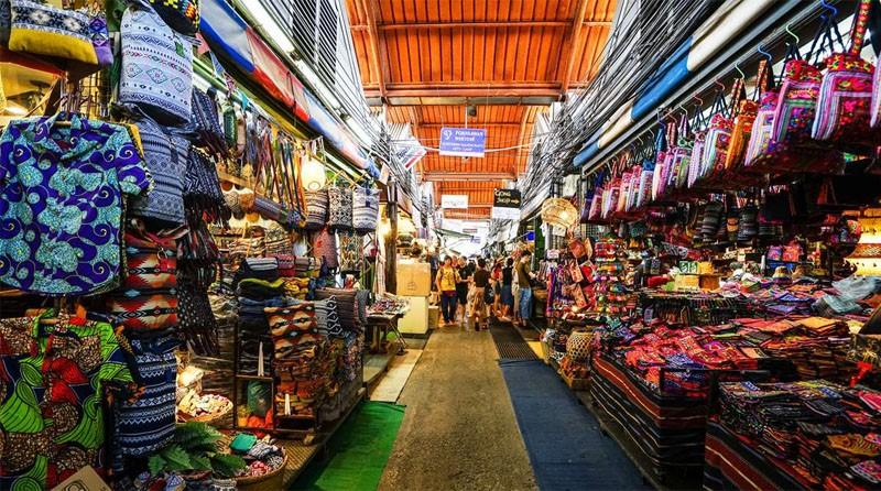 Lấy sỉ hàng thời trang Thái Lan qua chợ đầu mối